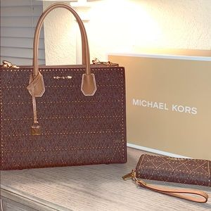 Authentic Michael Kors crossbody purse and wallet